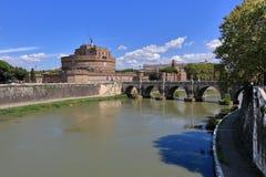 Helgon Angel Castle och flod Tiber i Rome, Italien Royaltyfri Bild