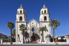 Helgon Augustine Cathedral i Tucson, Arizona Royaltyfria Bilder
