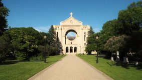 Helgon Boniface Cathedral i Winnipeg, Manitoba, Kanada arkivfoton