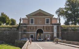Helgon Donato Gate i Lucca, Italien Arkivbilder