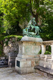 Helgon George Fighting Dragon Statue Arkivbilder