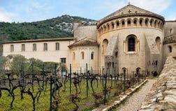 Helgon-Guilhem-le-désert Gellone abbotskloster Fransk medeltida by södra france Unesco-världsarv Arkivfoton