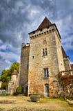 Helgon-Jean-de-Colen är en medeltida by i norden av Dordognen, Frankrike arkivfoton