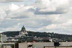 Helgon Joseph Oratory Montreal, mörka färger Quebec Kanada för molnig dag Royaltyfri Bild