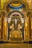 Helgon Louis Basilica Main Altar Crucifix Royaltyfri Fotografi