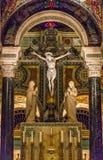 Helgon Louis Basilica Main Altar Crucifix med Jesus Christ Fotografering för Bildbyråer