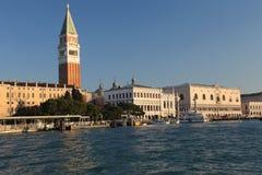 Helgon Mark Bell Tower av Venedig Royaltyfria Foton