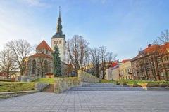 Helgon Nicholas Church i den gamla staden av Tallinn i Estland Royaltyfria Foton