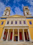 Helgon Nicholas Church In Syros Island royaltyfria bilder