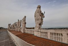 Helgon Peter Facade, helgon och Jesus Statues Royaltyfria Foton