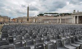 Helgon Peter Square med Sten Peter Basilica fotografering för bildbyråer