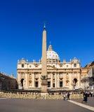 Helgon Peters Square i Rome Arkivfoton