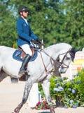 HELGON PETERSBURG-JULY 06: Rider Andis Varna på Coradina i cet Arkivfoto