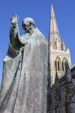 Helgon Richard av Chichester och den Chichester domkyrkan Fotografering för Bildbyråer