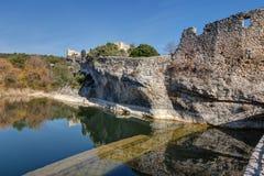 Helgon-Saturnin-les-benägna - Luberon - Provence - Frankrike arkivbilder
