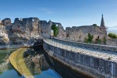 Helgon-Saturnin-les-benägna - Luberon - Provence - Frankrike Royaltyfri Bild