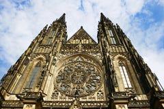 Helgon Vitus Cathedral, Prague, Tjeckien royaltyfri bild