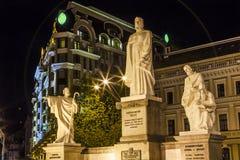 HelgonAndrew Queen Olga Statues Mikhaylovsky fyrkant Kiev Ukraina Royaltyfria Foton