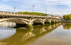 HelgonEsprit bro i Bayonne Arkivfoton