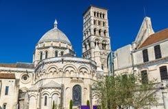 Helgonet Peter Cathedral av Angouleme byggde i den romanska stilen - Frankrike, Charente Royaltyfri Fotografi