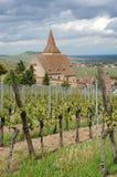 HelgonJacques le Majeur kyrka i Hunawihr Arkivfoto