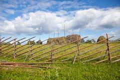 Helhet av Kizhi Pogost och objekt av träarkitektur royaltyfri foto