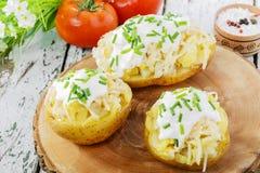 Helhet bakad potatis Royaltyfri Bild