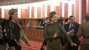 Helheten av den ryska folklåten sjöng sånger av krigåren stock video
