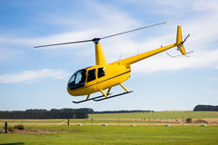 Helicóptero amarelo Imagem de Stock Royalty Free