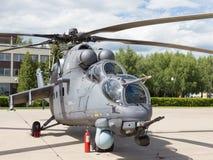 Helicóptero cinzento em um airshow em Kubinka Foto de Stock Royalty Free