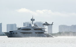 Helicóptero da aterragem Foto de Stock Royalty Free