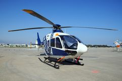 Helicóptero da polícia, Espanha Foto de Stock