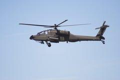 Helicóptero de Apache en vuelo imagen de archivo libre de regalías