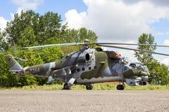 Helicóptero de ataque trasero checo de la fuerza aérea Mi-24 Fotografía de archivo