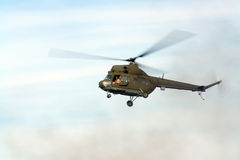 Helicóptero de cernido Imagen de archivo libre de regalías