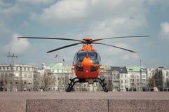 Helicóptero de la emergencia imagenes de archivo