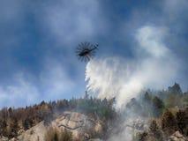 Helicóptero de la lucha contra el fuego Imagen de archivo libre de regalías