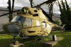Helicóptero de los militares del vintage imagenes de archivo
