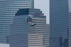 Helicóptero de NYPD no Lower Manhattan imagem de stock royalty free