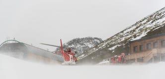 Helicóptero del rescate en la acción Foto de archivo