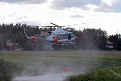 Helicóptero do bombeiro Imagens de Stock