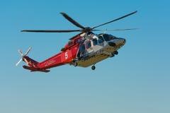 Helicóptero do departamento dos bombeiros de Los Angeles foto de stock