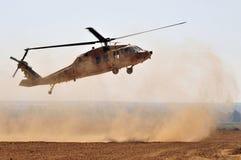 Helicóptero do falcão do preto de Sikorsky UH-60 do israelita Fotografia de Stock