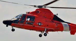 Helicóptero do golfinho da guarda costeira HH-65 Foto de Stock Royalty Free