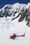 Helicóptero en el glaciar del Fox Imágenes de archivo libres de regalías