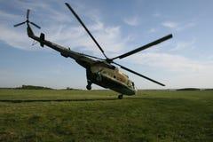 Helicóptero extremo del despegue foto de archivo