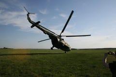 Helicóptero extremo del despegue fotos de archivo