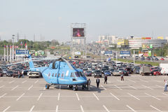 Helicóptero mi-38 en la exposición internacional fotografía de archivo