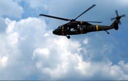 Helicóptero militar del helicóptero sanitario del ejército Imagenes de archivo