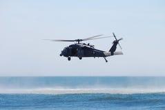 Helicóptero negro del halcón Fotos de archivo libres de regalías